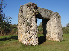 ma, 18/10/2010 - 06:06 - 018. Ha'amonga  A'Maui Trilithon, oudste bouwwerk van de Pacific