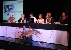 Formación de la mesa para el debate, con representantes de distintas entidades