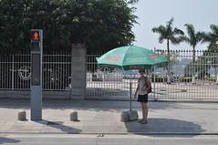 Gran invent, parasols per quan esperes a creuar el semàfor
