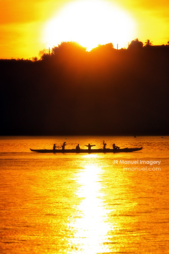 silhouette sunrise women paddling guam agana paddlers hagatna