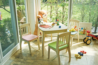 JJunior table and Chairs set | by PINTOY®