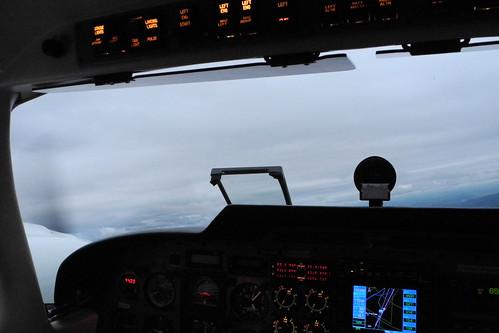aviation cockpit pa34 senecav