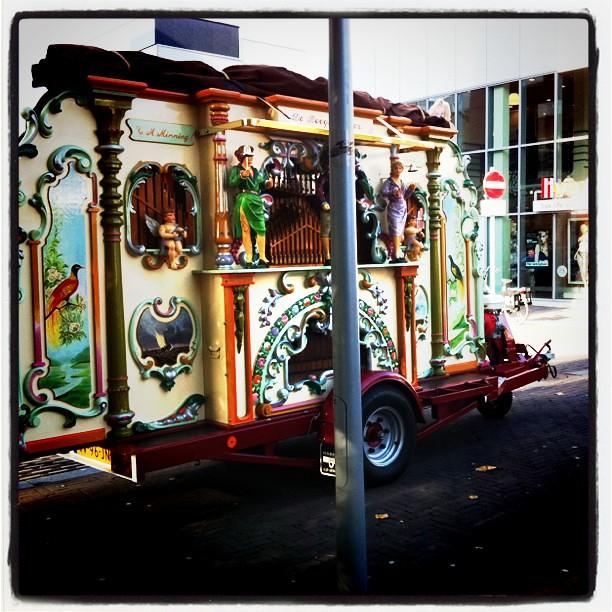 Traditional Dutch music making machine thing    #straatorg…   Flickr