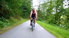 Валера по велодорожке вдоль реки Drau