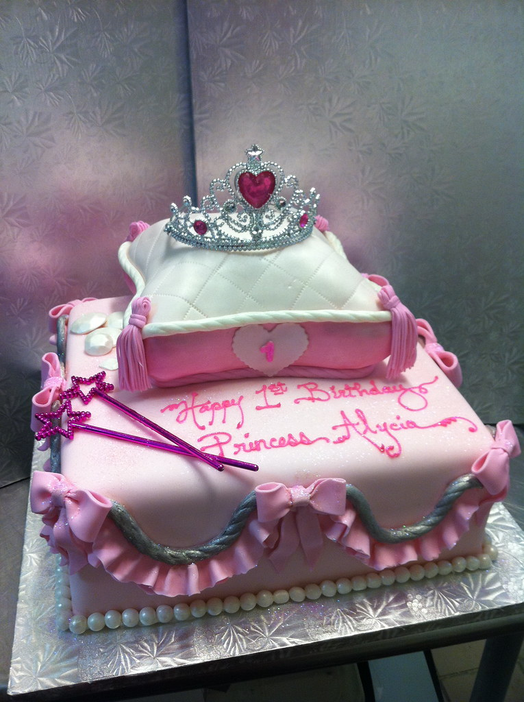 Awesome 1St Birthday Princess Cake Contis Pastry Shoppe Flickr Funny Birthday Cards Online Inifodamsfinfo