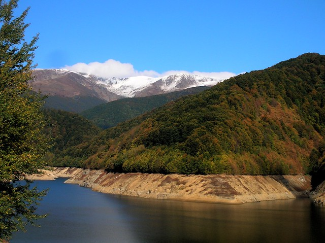 First snow of the season on the Retazat Mountains by bryandkeith on flickr