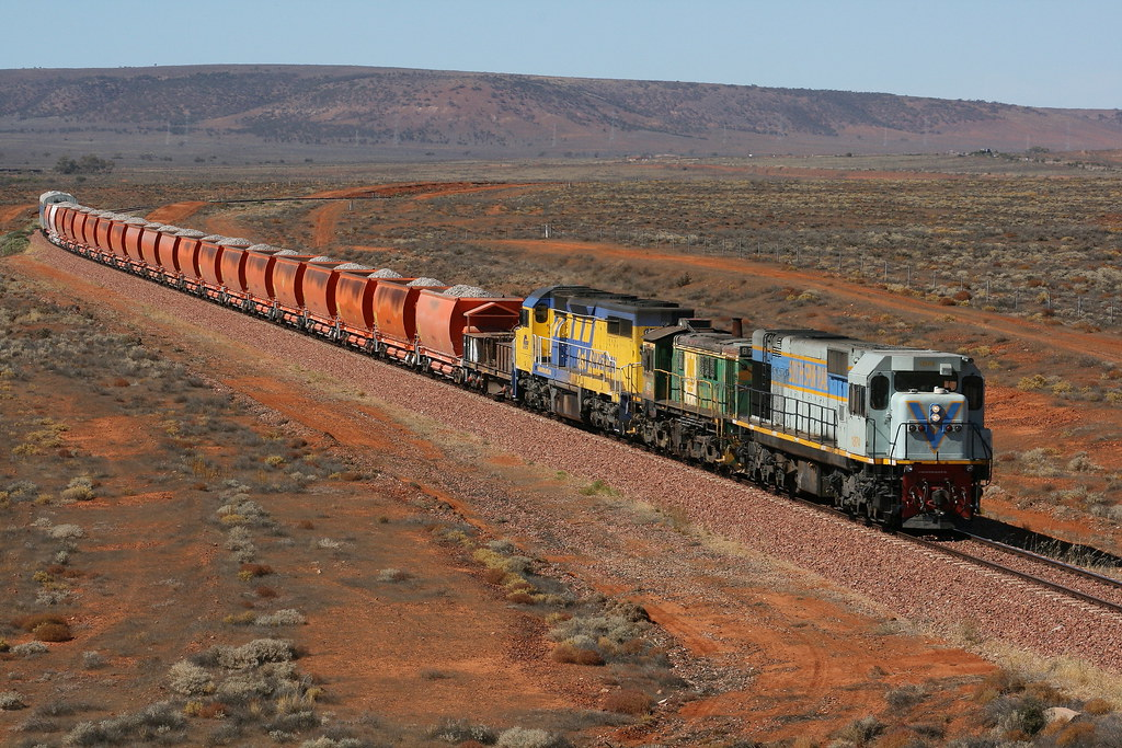 ARTC ballast train Lincoln Gap SA by Robert Cook