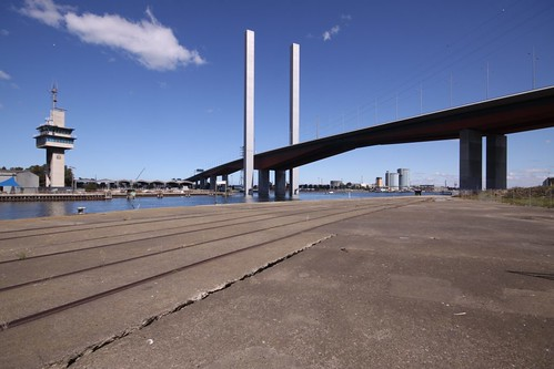 Empty wharves at Victoria Dock