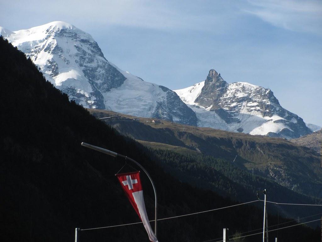 Breithorn and Klein Matterhorn from Täsch | A cable car goes