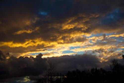 light sunset sky nature nikon australia melbourne victoria f28 stormclouds d700 2470f28g therebeastormabrewin australianthunderstorm cloudsstormssunsetssunrises