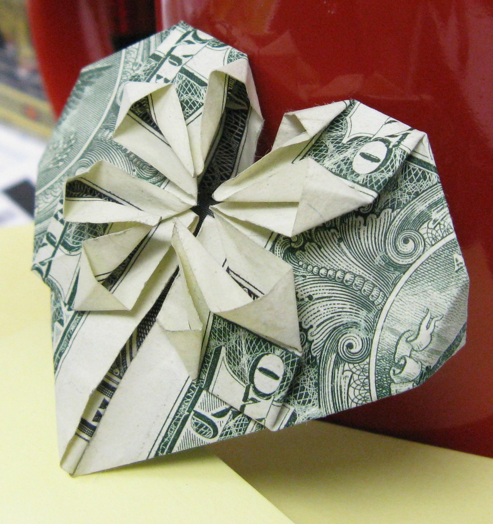 Super Easy Dollar Bill Heart | 1024x962