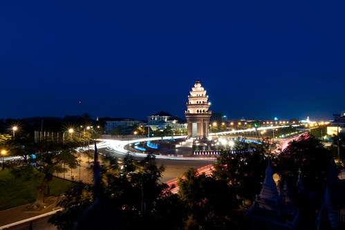 Independence Monument | by Chea Phal