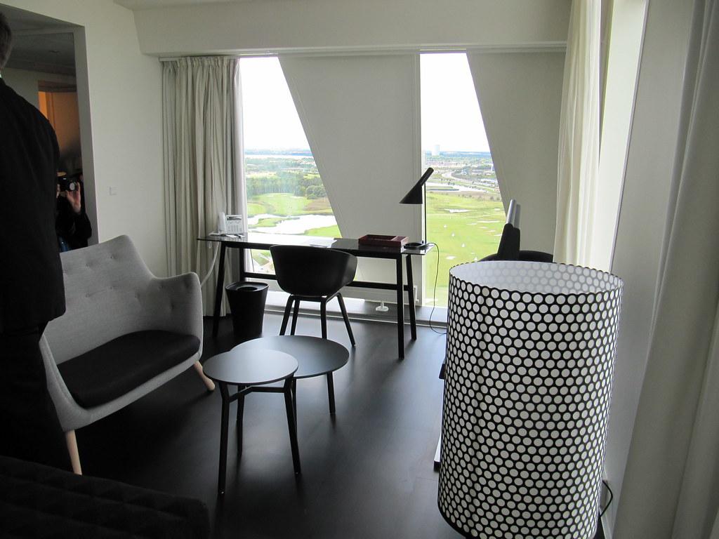 guest room with Finn Juhl Poet sofa
