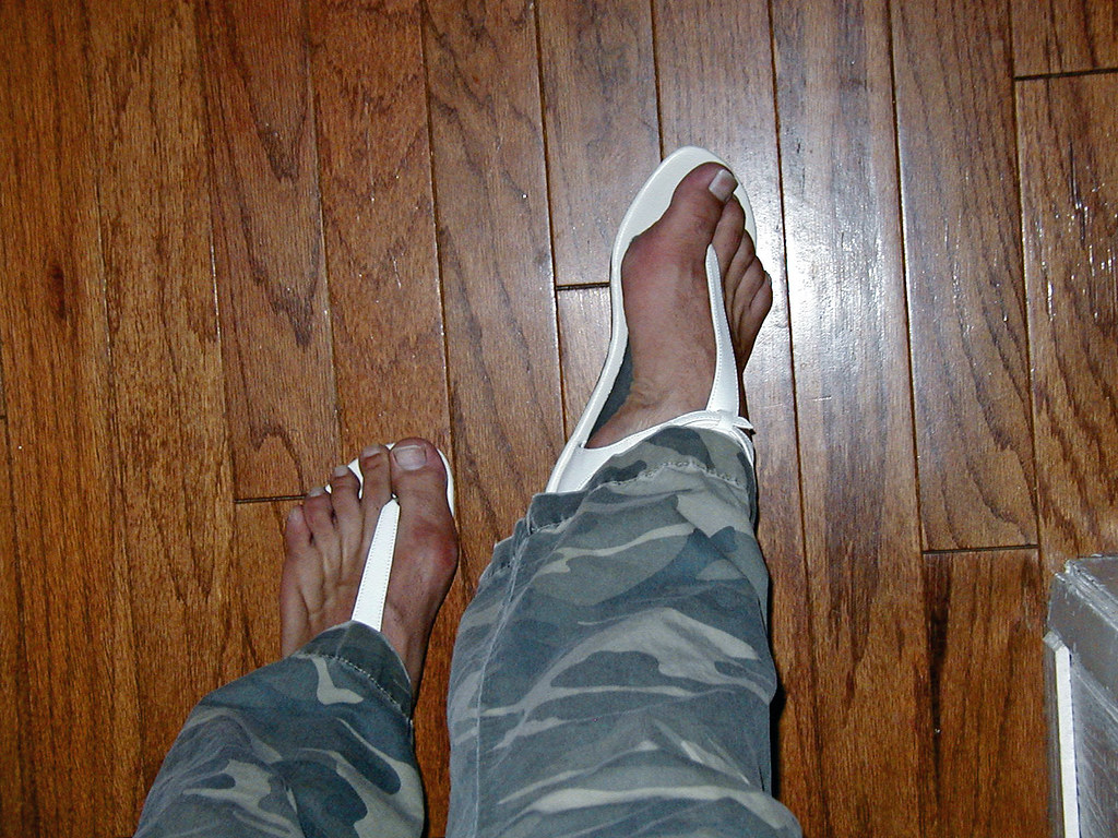 539620714 ... White thong sandals with backstrap