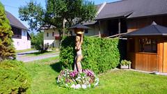 Деревянная статуя в деревеньке Feistritz an der Gail