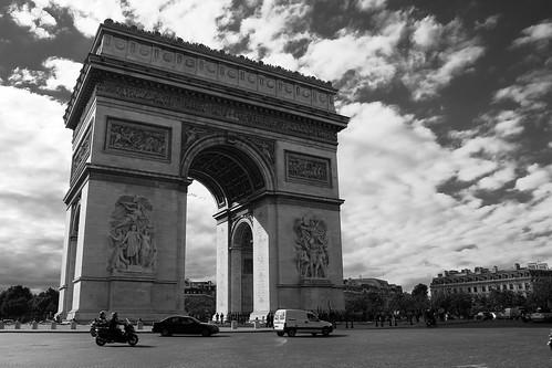 Arc de Triomphe   by alvaropc