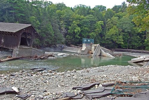 bridge usa river ma flood massachusetts newengland greenriver coveredbridge greenfield hurricaneirene eunicewilliamsbridge charleskellogg eunicewilliams charlesgkellogg charliekellogg greenriverpumpingstation copyright2011