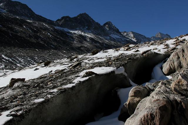 Aargrat und der Oberaargletscher ( Gletscher - Glacier ) im Grimselgebiet in den Alpen - Alps im Berner Oberland im Kanton Bern in der Schweiz