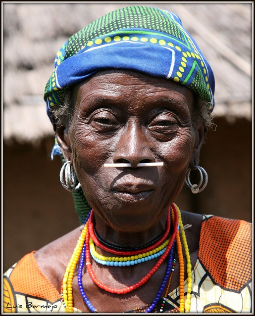 Mujer Bassari