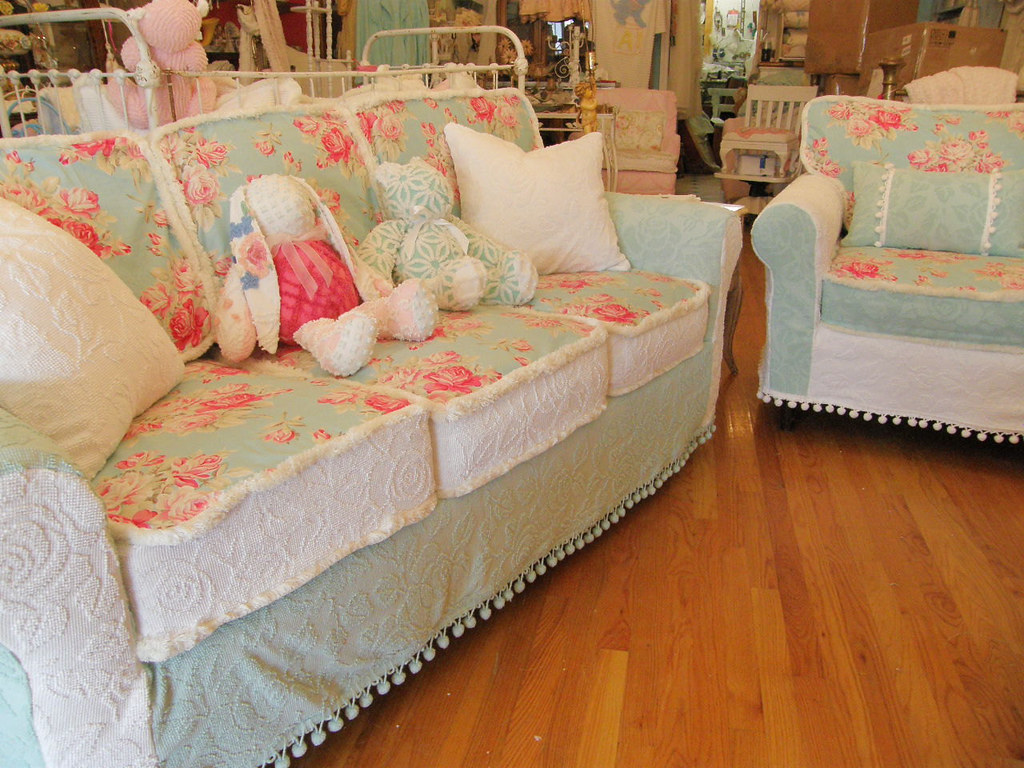 Shabby Chic Sofa Couch And Chair Vintage Chenille Bedsprea Flickr