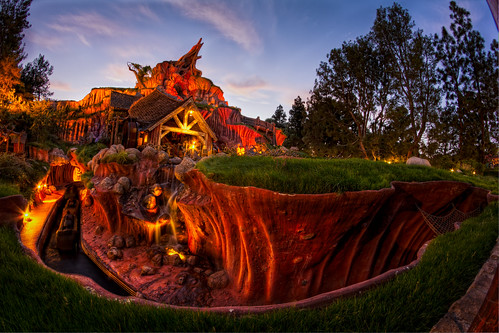 sunset mountain canon log ride dusk disneyland disney fisheye splash flume 8mm hdr splashmountain zipadeedoodah canon60d