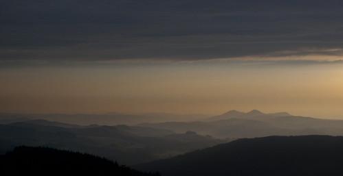 morning light sunrise dawn early moors scottishborders eildonhills