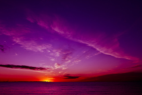 toronto ontario sunrise canon 7d lakeshore etobicoke lakeontario lakeshoreblvd torontosunrise purplesunrise lakeshorevillage