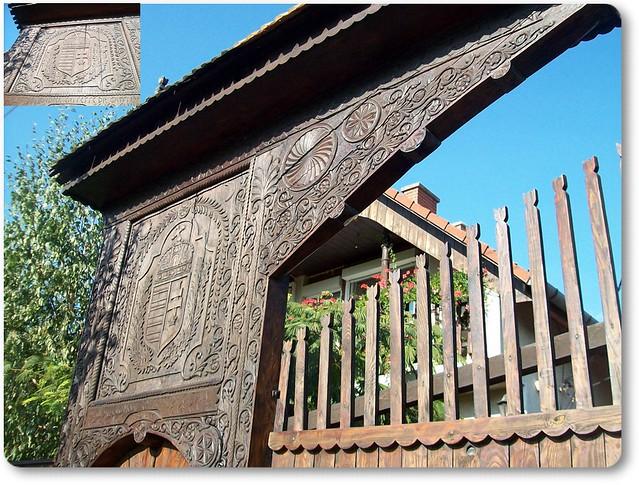 Traditional carved gate- Székely kapu Mátyásföldön