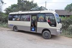 Bus cap a Laos (~6h)