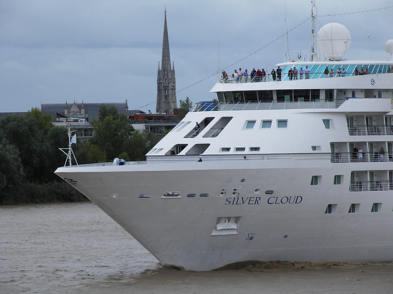 Silver Cloud Leaving Bordeaux - P9110487
