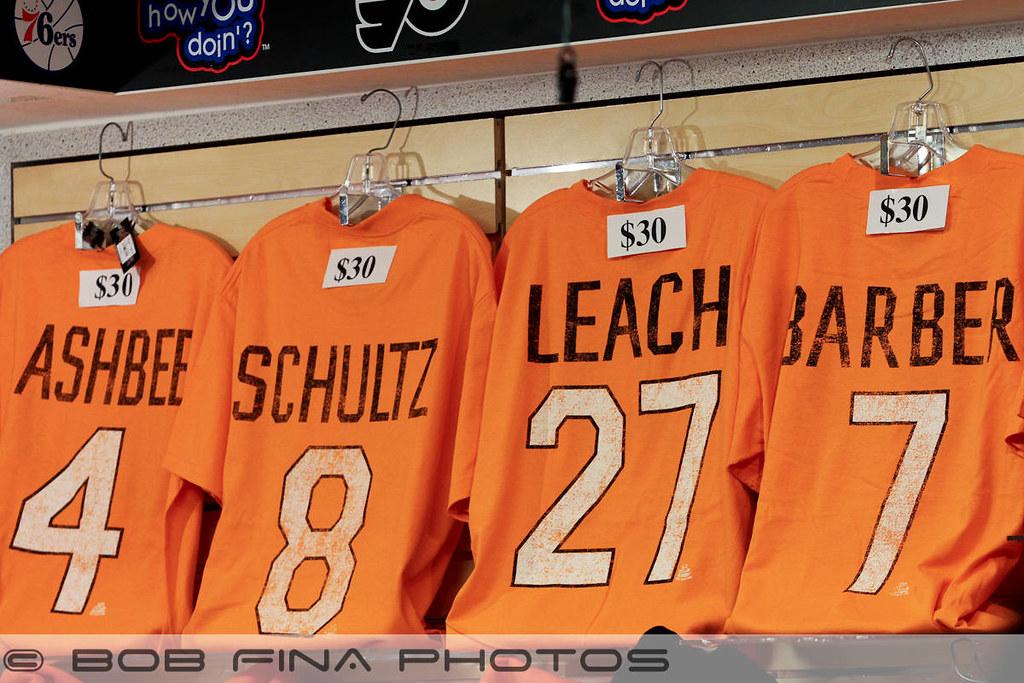 finest selection 58ea8 e1ca2 Retro Philadelphia Flyers jersey t-shirts honoring past gr ...