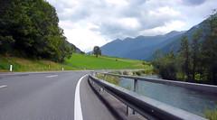 Дорога номер 106 вдоль реки Drau
