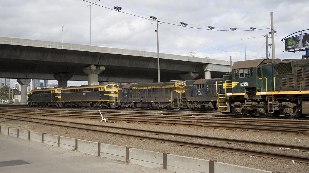 B74, S303, T341, T320, X39 at Dynon by michaelgreenhill