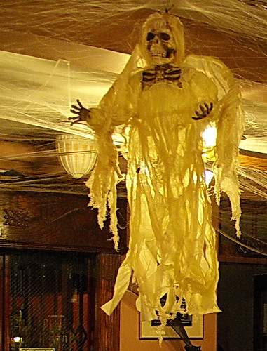arizona halloween hotel scary ghost hunting grand az haunted spirits spooky lobby cobweb jerome haunting ghosts paranormal ghostly wispy cobwebs hunt eery decorated ghosties jeromegrandhotel alhikesaz ghostadventures