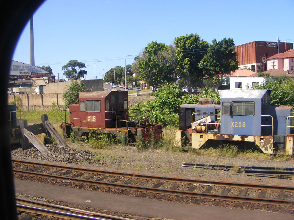 Pacific National X118 and X208 Port Kembla 25.02.2010 by Andy Cole