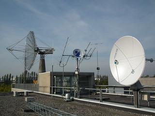 Satellite antennas at OZ7SAT   by csete