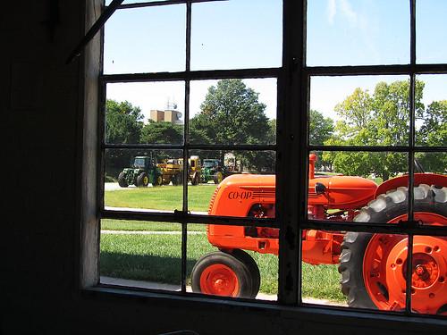 tractor nebraska technology farm wheels testing tires lincoln johndeere unl universityofnebraska larsentractormuseum pinterest