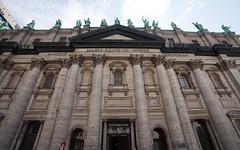 Cathédrale Marie-Reine-du-Monde (front)