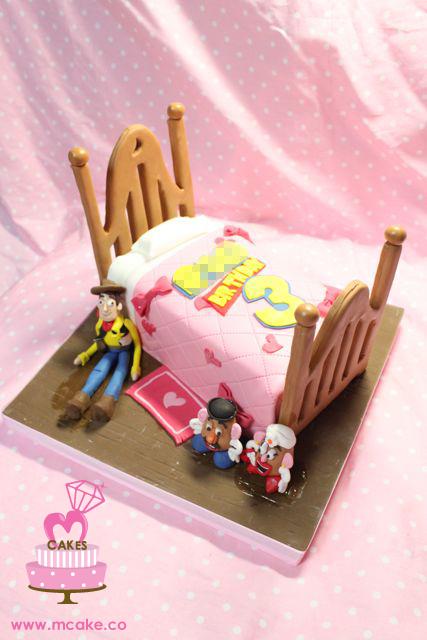 Sensational Toy Story Girls Birthday Cake Megumi Suzuki Flickr Funny Birthday Cards Online Drosicarndamsfinfo