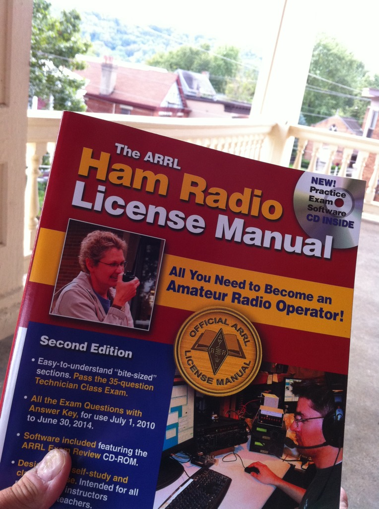 Enjoying my saturday afternoon with the ARRL Ham Radio Lic