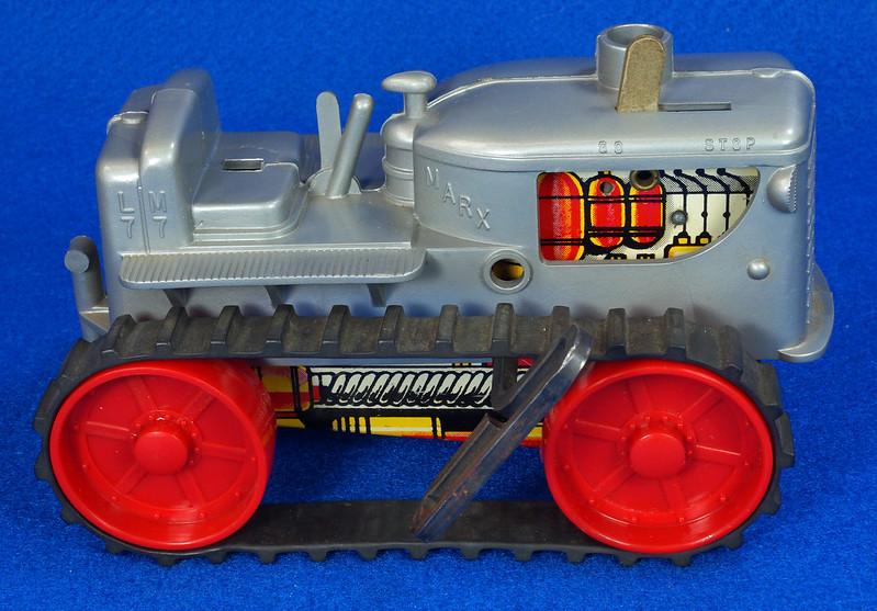 RD9481 Vintage Marx Toy Diesel Tractor Wind Up DSC06240