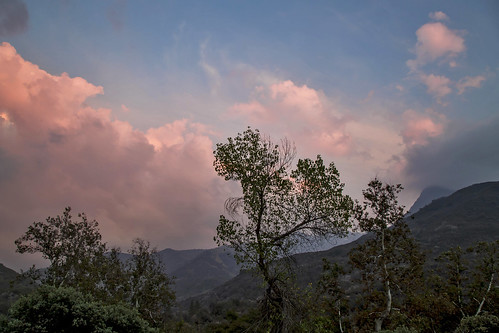 california camping sunset sky nature clouds colorful dusk hiking sunsets nationalparks westcoast sequoia sequoianationalpark pinkclouds mountainranges canonphotography westernlandscapes californialandscapes westcoastlandscapes californiamountainranges westcoastmountainranges mountainsettings