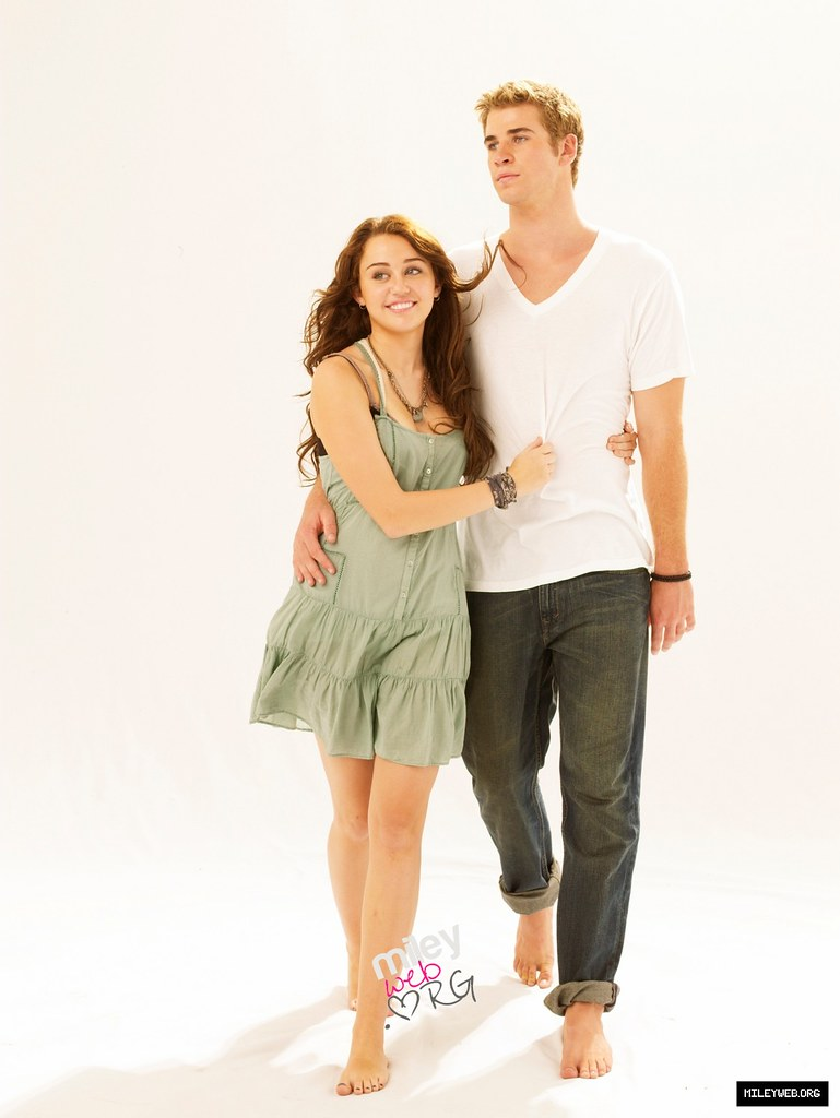 Miley, Liam Photoshoot for The Last song   Miley cyrus and L…   Flickr