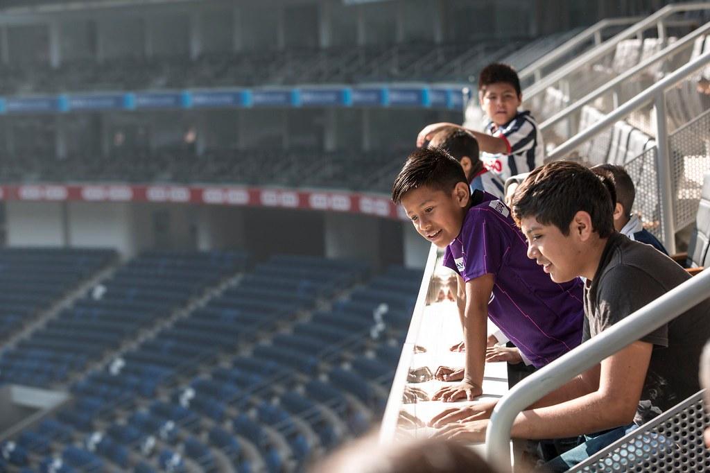 Visita a Estadio BBVA | Alrededor de 100 niños de las coloni… | Flickr