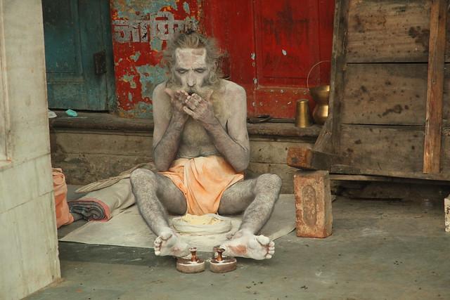 Good morning, Varanasi. Amanece en Benarés