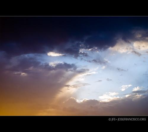sky cloud clouds sunrise nikon europa europe athens greece amanecer cielo nubes gr nikkor nube attica salidadelsol d80 70300mmf4556gvr