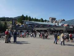 木, 2011-08-04 12:57 - 朝から賑わうゴンドラ乗り場