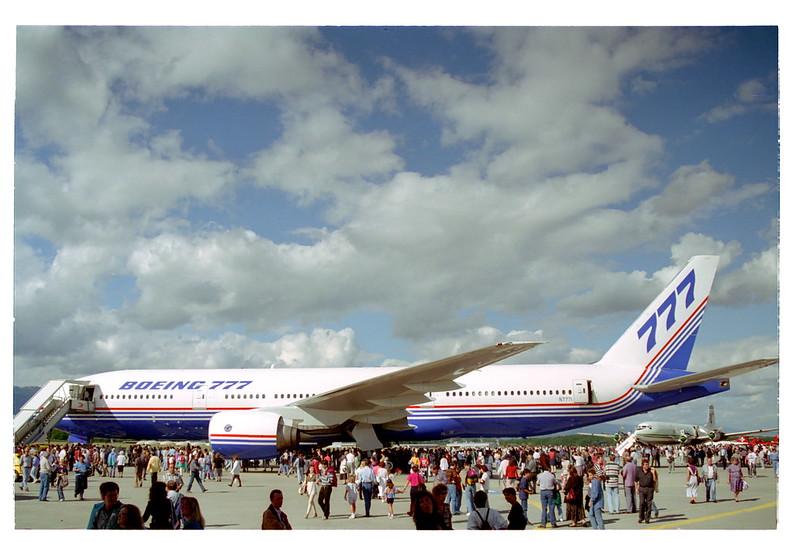 Boeing Boeing 777-200; N7771@GVA;09.09.1995