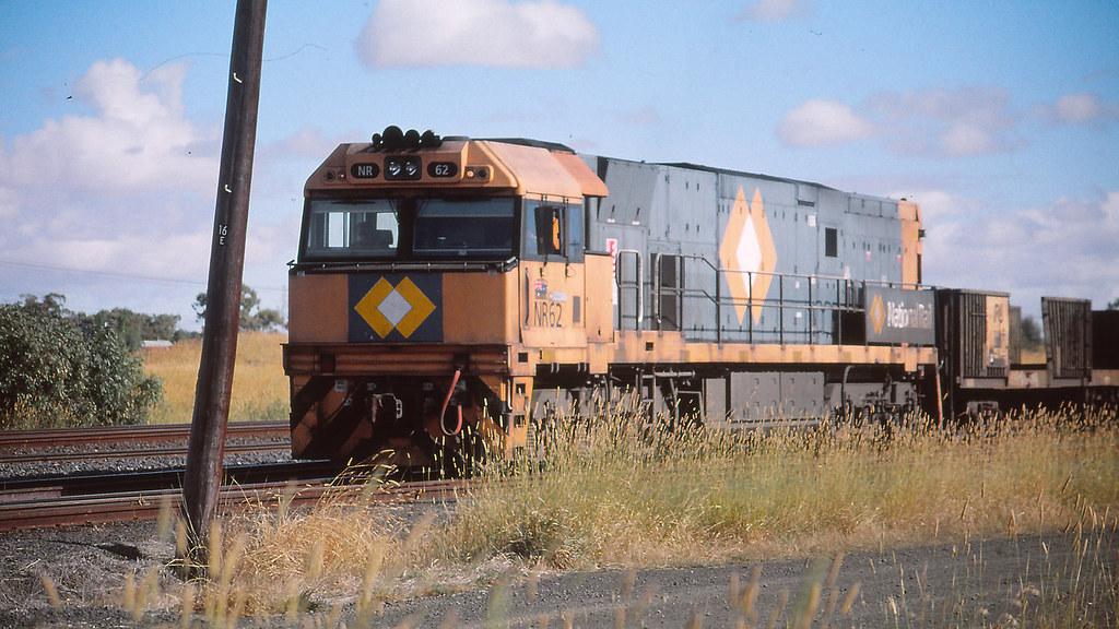NR62 at Somerton by michaelgreenhill