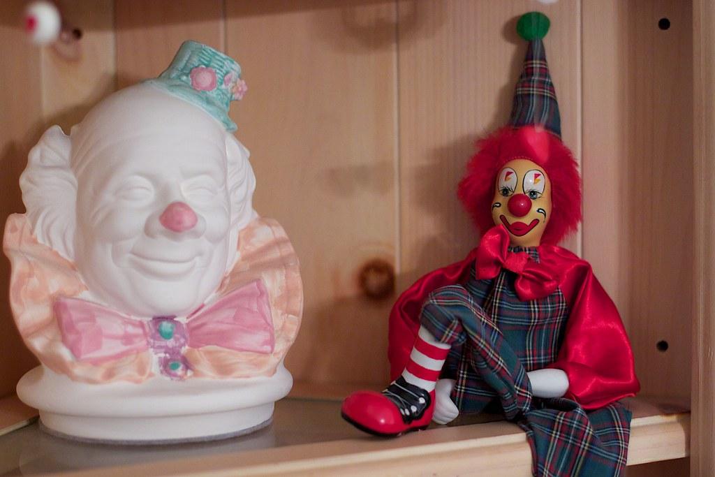 Clowns! Clowns!